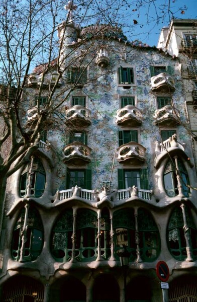Harry Seidler Barcelona, Casa Batló, 2003; from the series Architect: Anton; 106.5 x 71 cm (image size) 125 x 95.5 cm (frame size) edition of 6; enquire