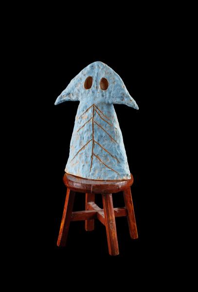 Nell Tuna fella in Ernabella, 2015-16; The Wake No. 13 (ERNABELLA); stoneware, underglaze, wooden stool; 61.5 x 23 x 30 cm; object : 37.7 x 13.5 x 30 cm stool : 23.7 x 23 x 23.2 cm; enquire