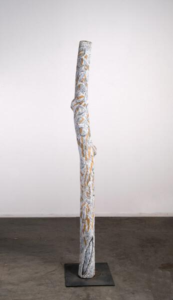 Nyapanyapa Yunupingu 29. Untitled, 2013; 4428O; natural earth pigments on hollow log; 203 x 20 x 20 cm; enquire