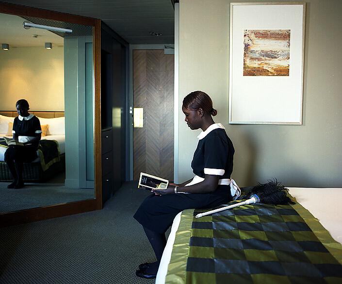 Anne Zahalka Room 3621, Hotel Suite, 2008; Type C print; 75 x 92.5 cm; enquire