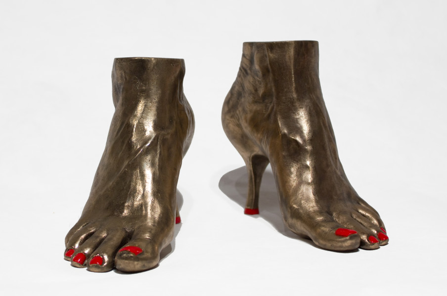 Julie Rrap Stepping Out, 2012; bronze and metallic paint; 16 x 25 x 28 cm; Edition of 3 + AP 2; enquire