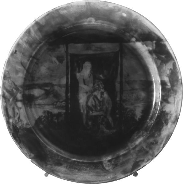 Geoff Lowe Plate, 1987-88; photographic emulsion on ceramic plate; 29 cm diameter; enquire