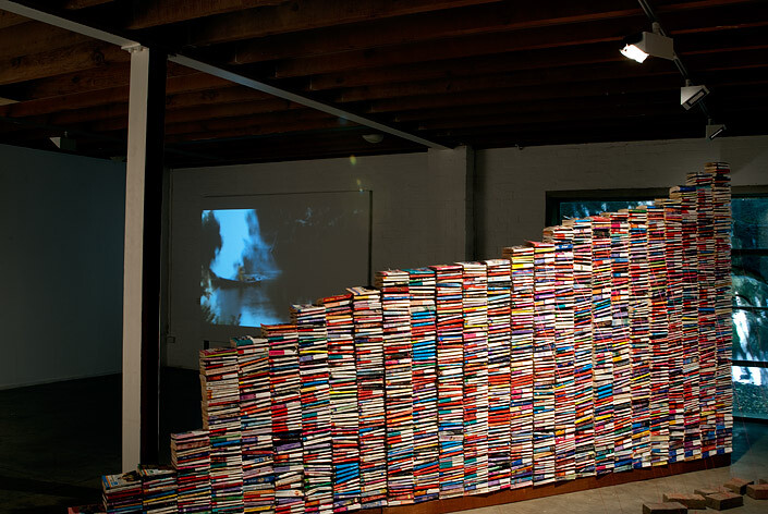 Andrew Liversidge Nothing for nothing, 2009; paperbacks, string, wood, bricks; 230 x 640 x 250 cm; enquire