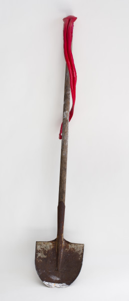 Caroline Rothwell Spade, 2018; Wood, steel, canvas, hydrostone, paint, epoxy glass; 152 x 38 x 24 cm; enquire