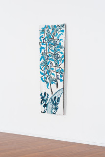 installation view; Dhambit Munuŋgurr Dulk, 2020; 4133-20; earth pigments and acrylic on bark; 202 x 74 cm; enquire