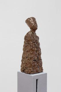 Mikala Dwyer Letterbox Nefertiti, 2018; glazed ceramic, fibreglass, painted steel; 162 x 23 x 29 cm; enquire