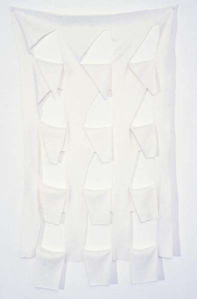 Robert Jacks Hanging Grid '45 to 90', 1969; cut felt (white); 135 x 90 cm; enquire