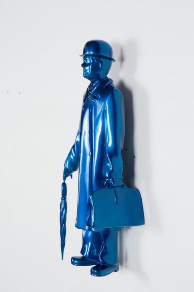 Michael Parekowhai Over the Rainbow, 2015; bleu; fibreglass, automotive paint; 41 x 14 x 12 cm; enquire